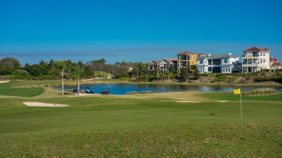 7th hole on the Palmer Course at Reunion Resort in Orlando